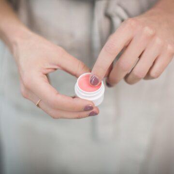Kosmetyki w Unii Europejskiej – jak sprawdzić czy są bezpieczne?